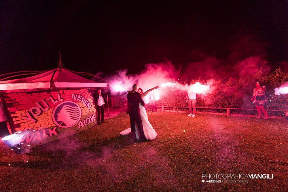 AAAAA 01 fuochi bacio sposi