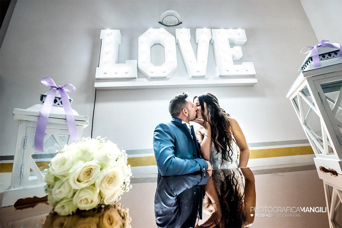 AAAAA 01 love bacio sposi