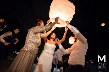 070 wedding photography como lake beautiful bride and groom night lantern 1