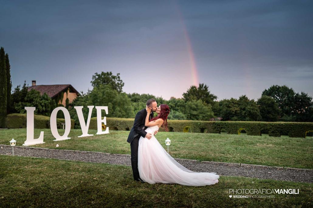 039 fotografo matrimonio reportage wedding sposi ritratto arcobaleno bacio love castello cernusco lecco