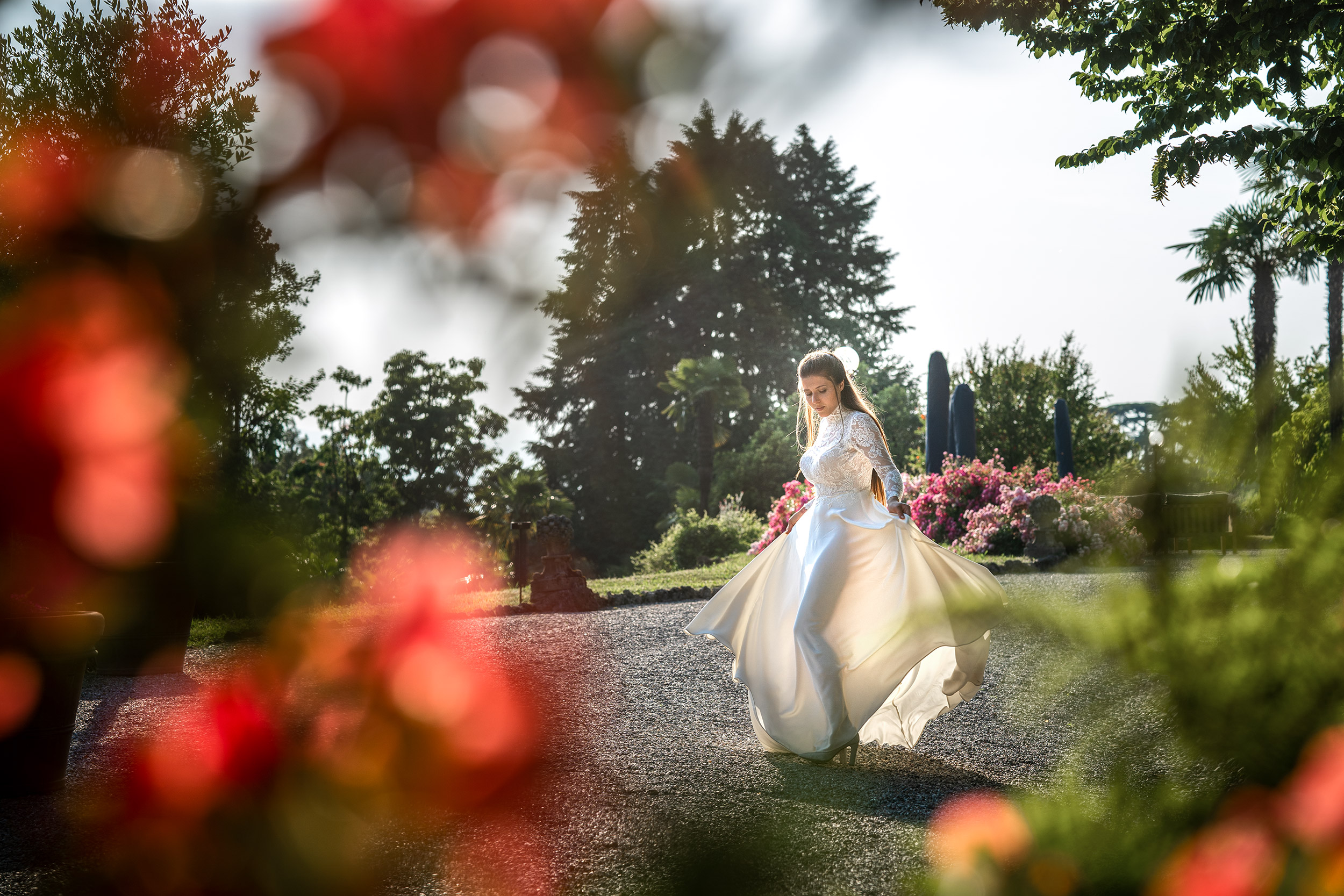 041 fotografo matrimonio reportage wedding sposi giardino villa esengrini montalbano varese 1