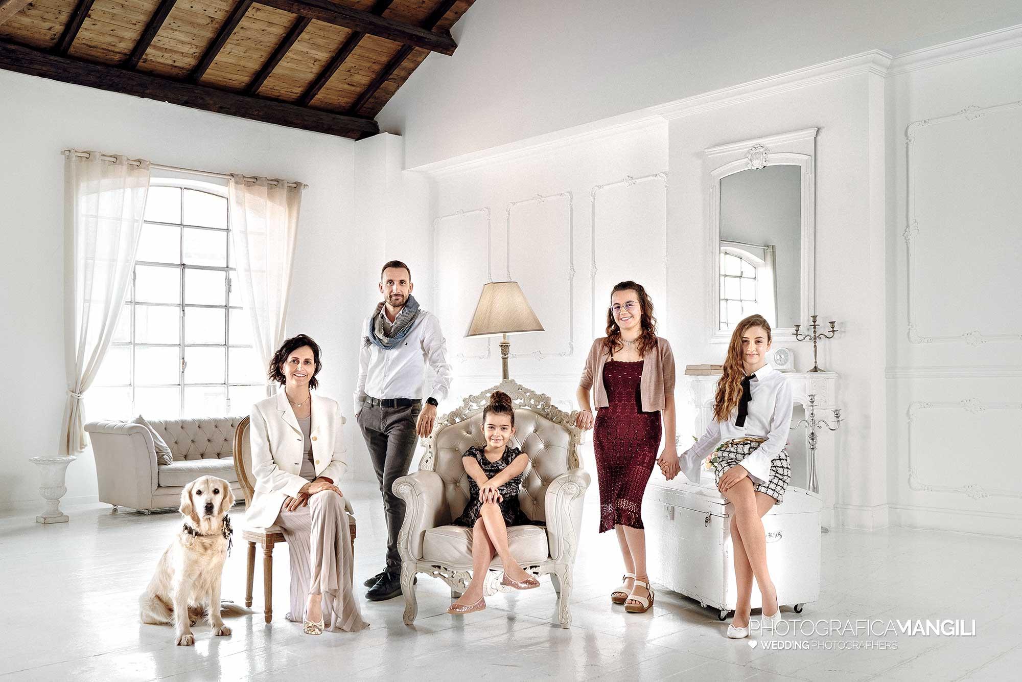 01 ritratto studio elegant portrait family pets