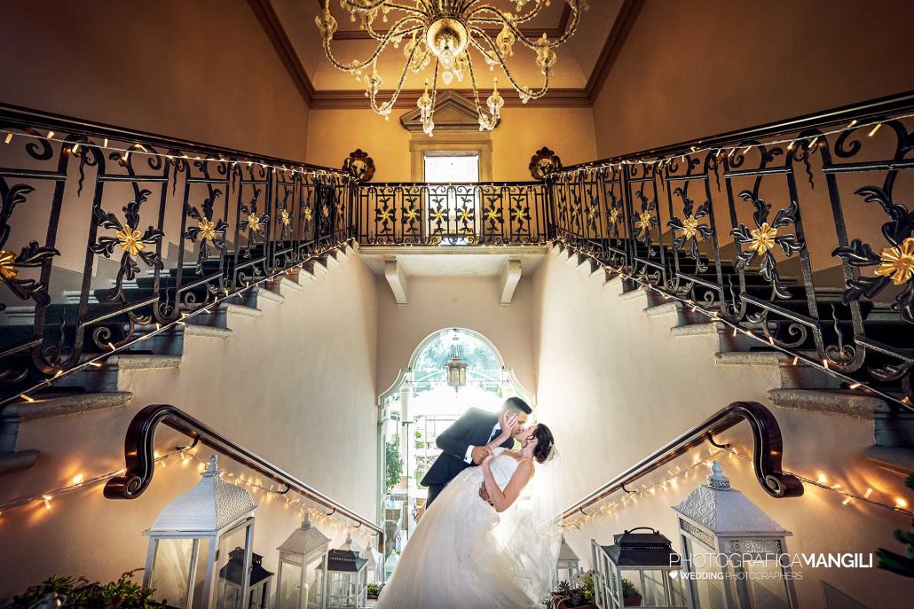 001 fotografo matrimonio wedding ritratto sposi scala villa valenca rovato brescia copia