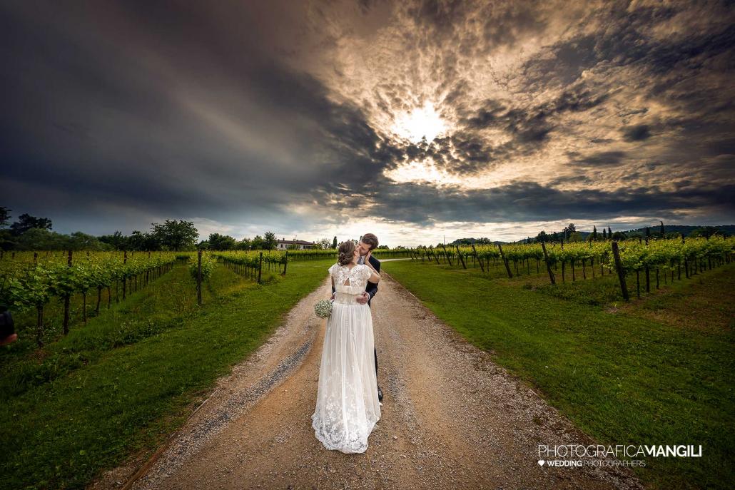 000 reportage foto matrimonio wedding ritratto bacio sposi romantico tramonto tenuta serradesca scanzorosciate bergamo