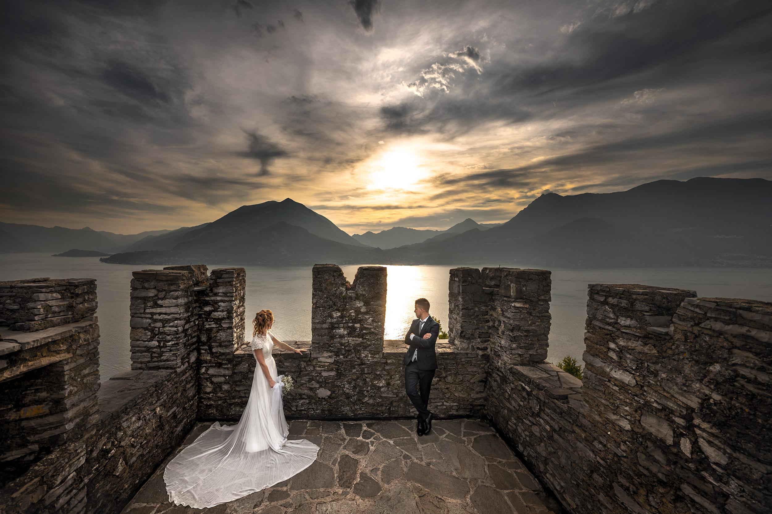 038 reportage foto matrimonio wedding ritratto sposi romantico tramonto castello vezio perledo lecco
