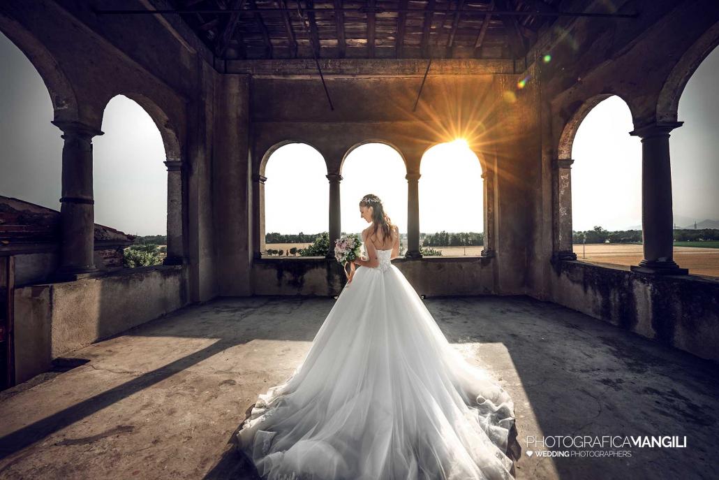 000 fotografo matrimonio reportage wedding sposa ritratto castello cavernago bergamo copia