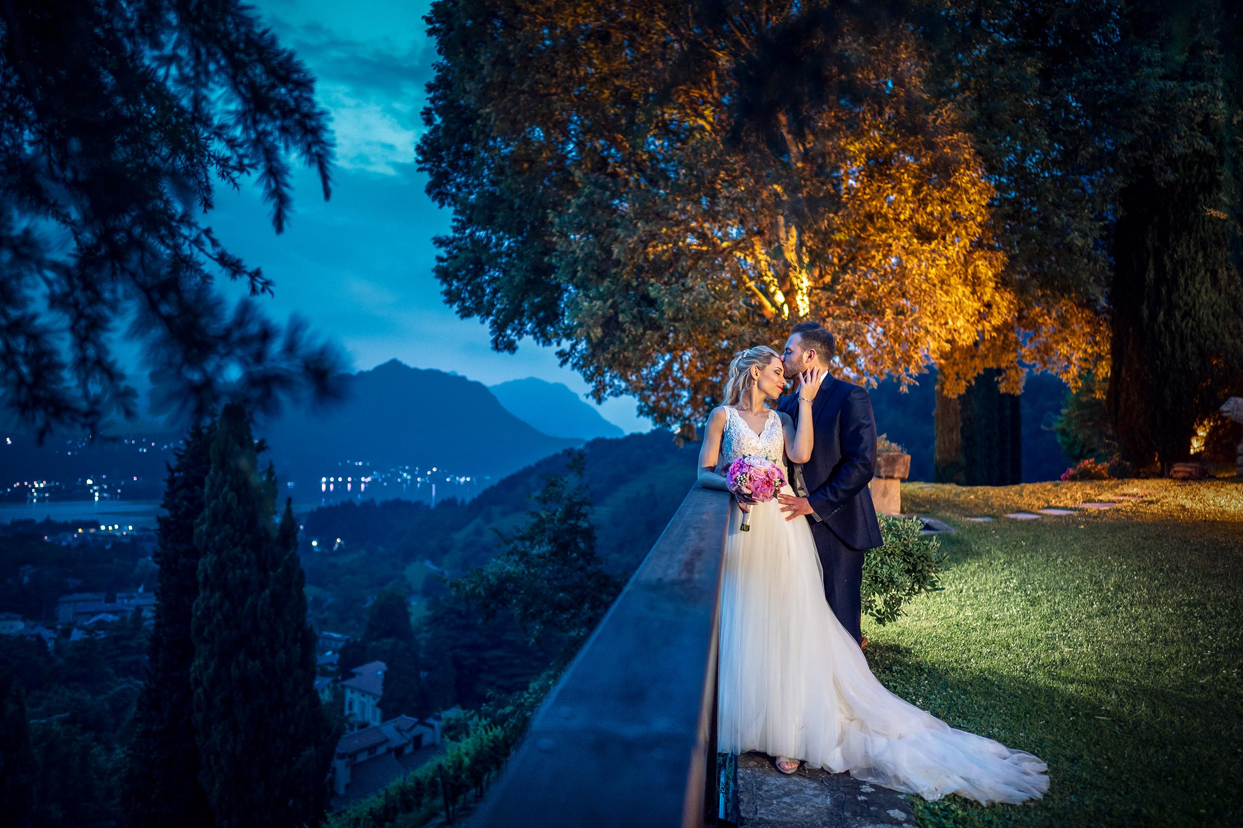 000 fotografo matrimonio reportage wedding sposi imbrunire bacio romantico castello rossino calolziocorte lago como lecco 1